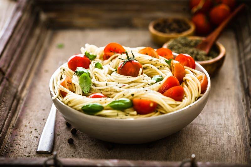 Pâtes avec l'huile d'olive photo stock