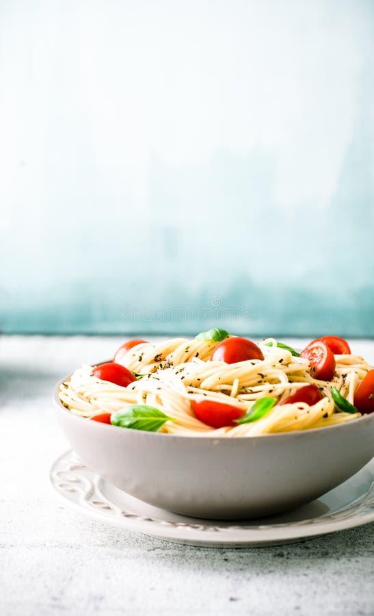 Pâtes avec l'huile d'olive image stock