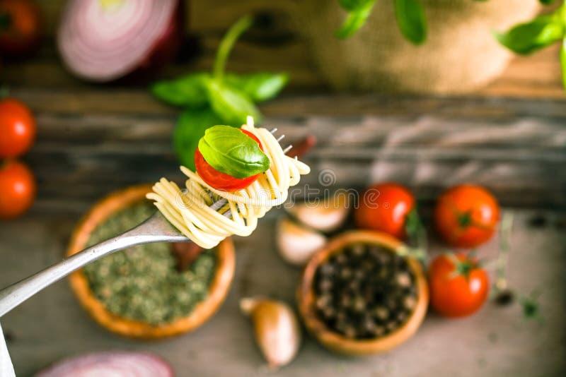 Pâtes avec l'huile d'olive photos stock