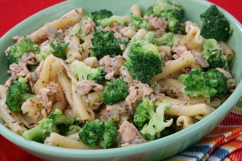 Pâtes avec le broccoli image stock