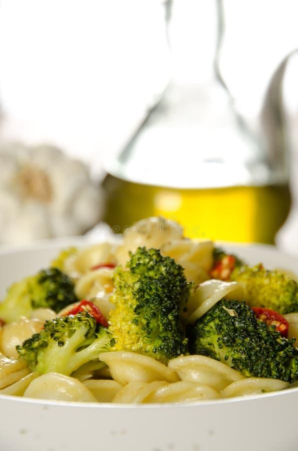 Pâtes avec le broccoli images libres de droits