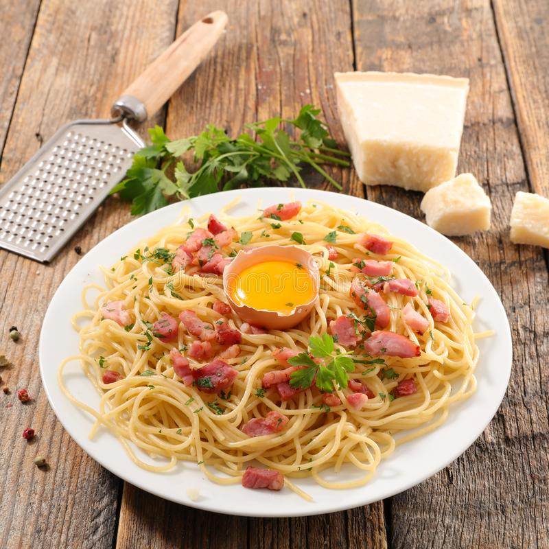 Pâtes de Carbonara photo stock
