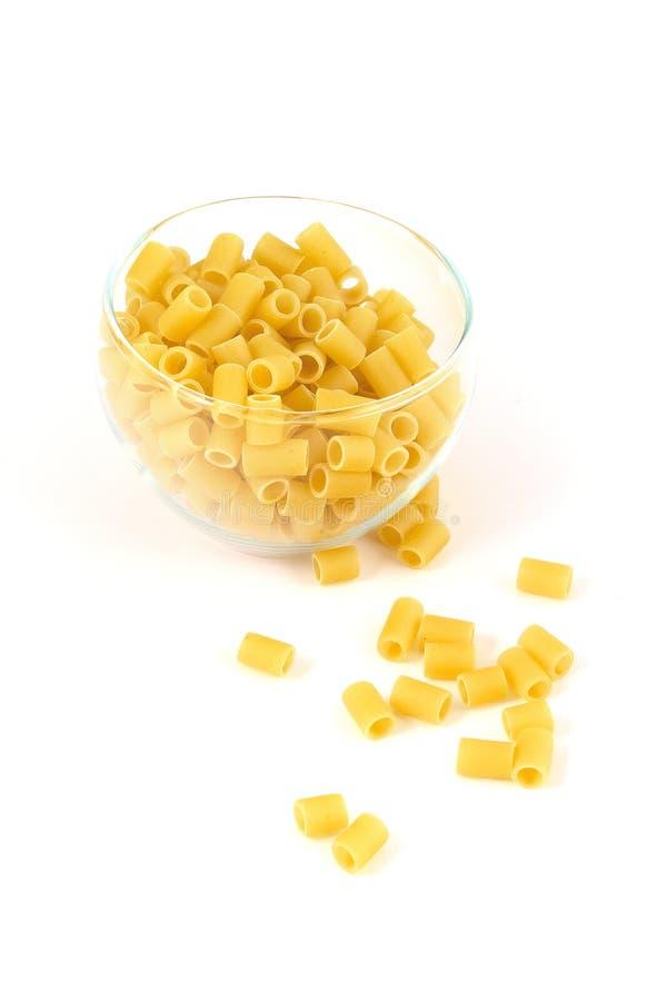 Pâtes de Ditali dans une cuvette image stock