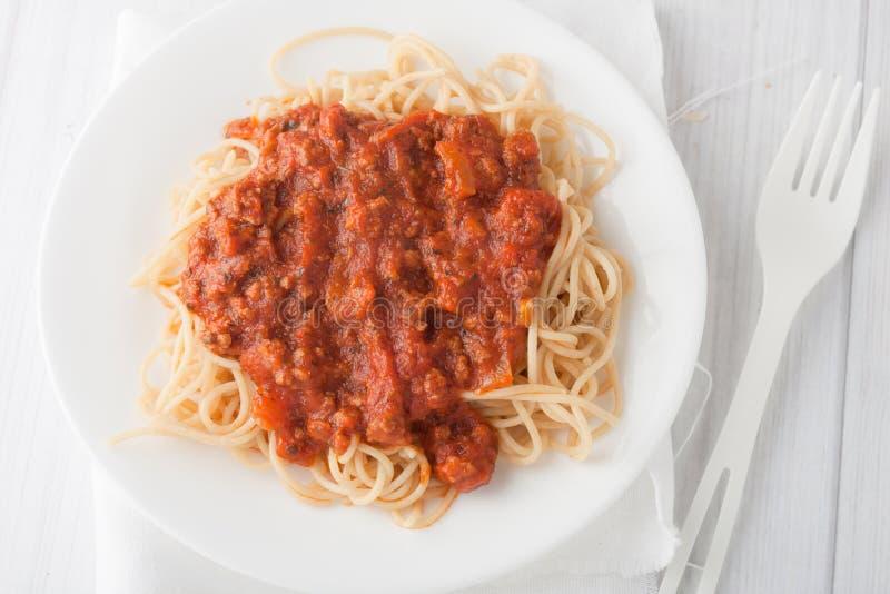 Pâtes de Spagetti avec la sauce tomate de viande photos stock