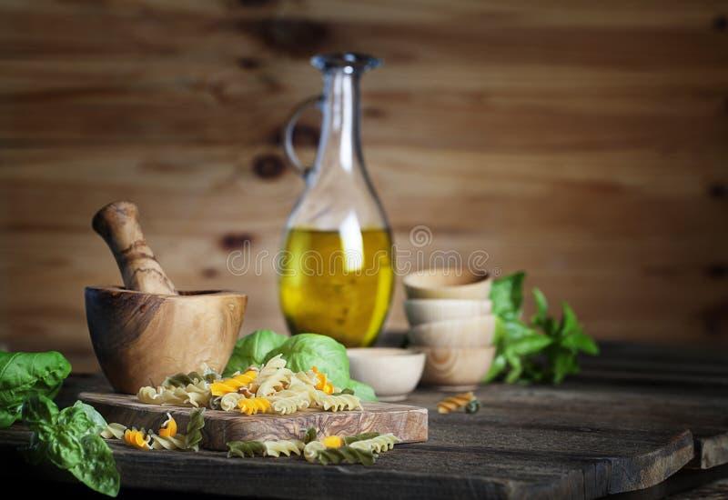 Pâtes et huile d'olive photos libres de droits