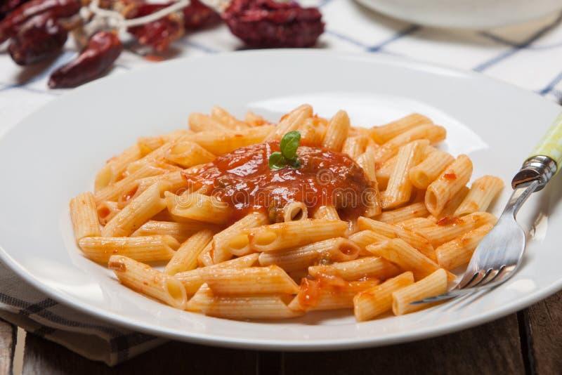 Pâtes italiennes avec la tomate photos libres de droits