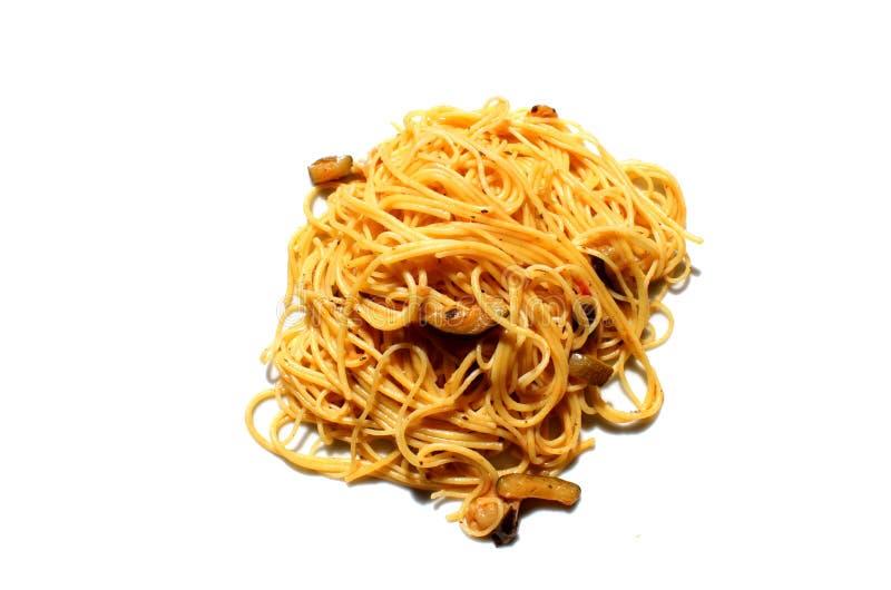 Pâtes italiennes de spaghetti avec des légumes images libres de droits