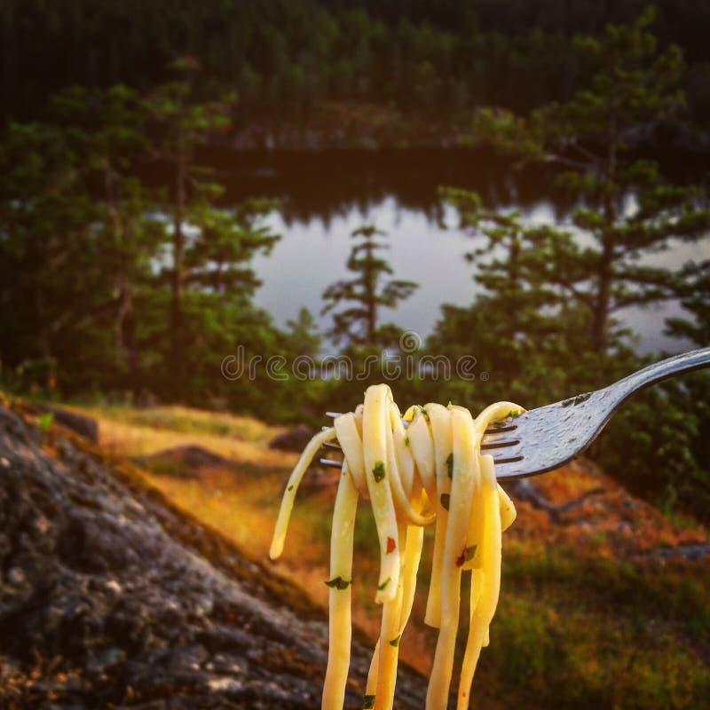 Pâtes sur le lac photographie stock libre de droits