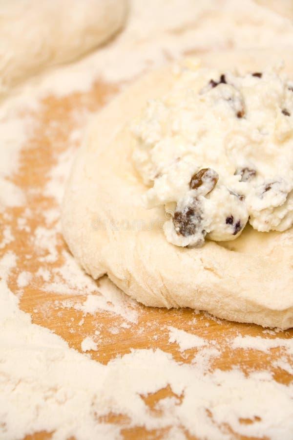 Pâtisserie crue et remplir image stock