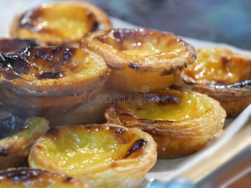 Pâtisserie cuite au four croustillante de Pasteis de nata et crémeuse portugaise traditionnelle photo stock