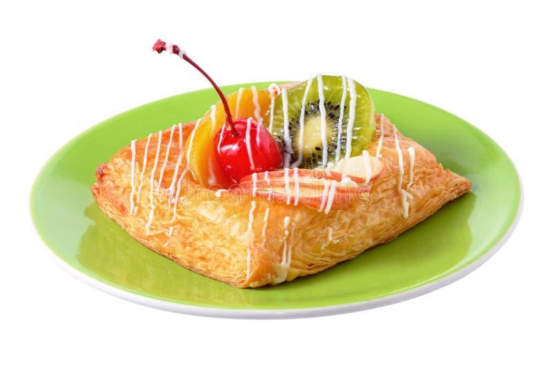 Pâtisserie danoise avec des fruits images stock
