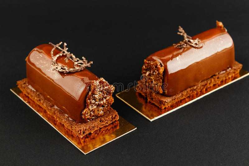 Download Pâtisserie Française Avec Le Lustre De Chocolat Photo stock ,  Image 69105788