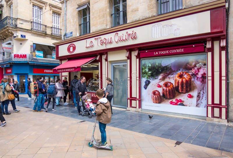 Pâtisserie française de Canele de Bordeaux photos libres de droits