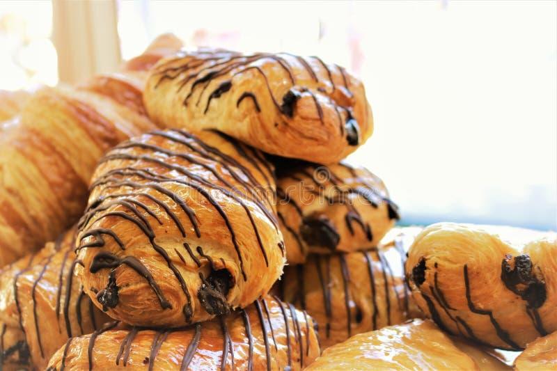 Pâtisseries de regard savoureuses vibrantes de chocolat image libre de droits