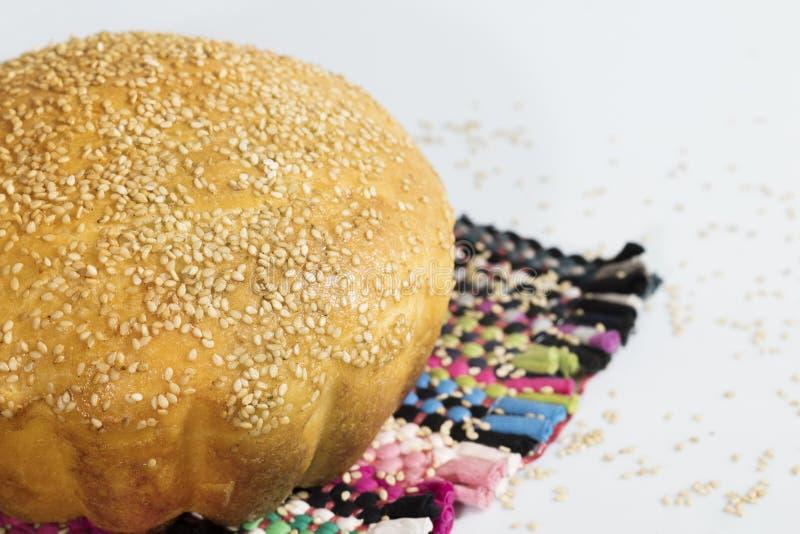 Pão caseiro com sesame-3 fotos de stock