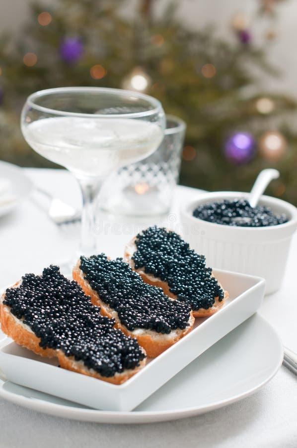 Pão com caviar imagens de stock