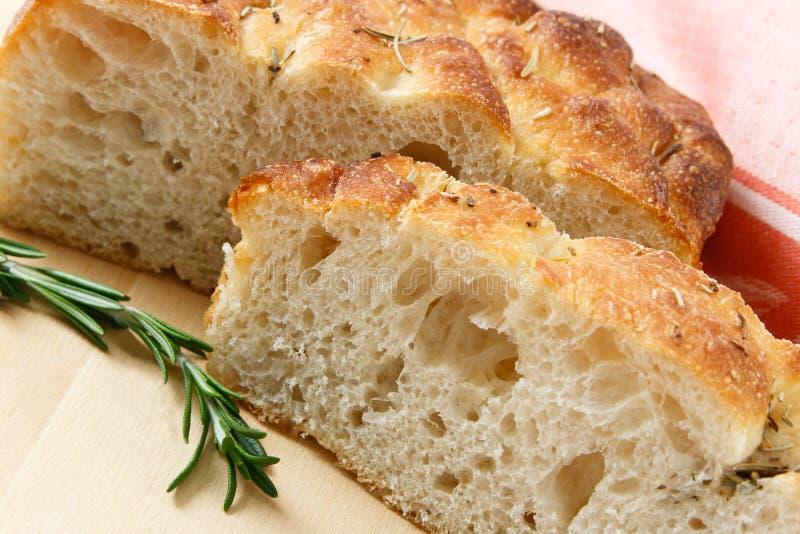 Pão cortado de Focaccia do artesão imagens de stock royalty free