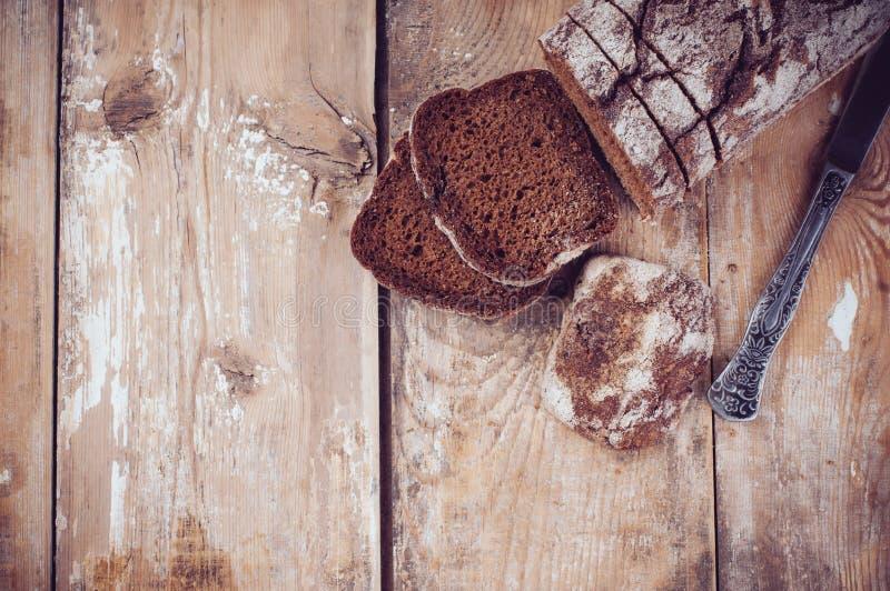 Pão de centeio rústico do wholemeal imagem de stock