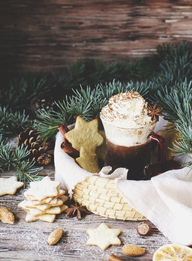 Pão do chocolate quente e do gengibre, Natal ou ano novo imagem de stock royalty free