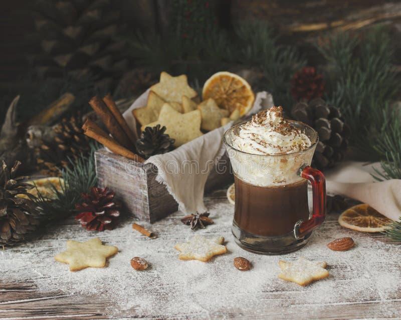 Pão do chocolate quente e do gengibre, Natal ou ano novo imagens de stock royalty free