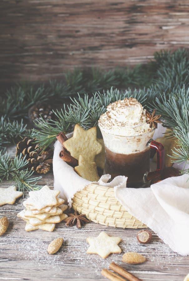 Pão do chocolate quente e do gengibre, Natal ou ano novo imagem de stock