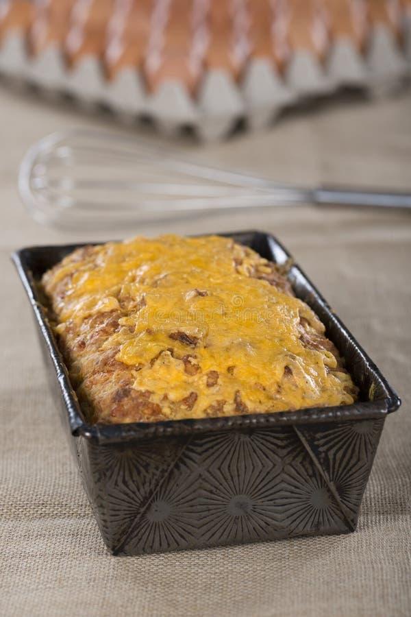 Pão do queijo e de cebola fotografia de stock royalty free
