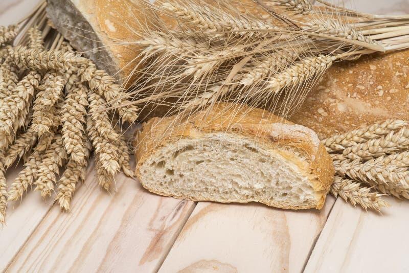 Pão e trigo imagens de stock