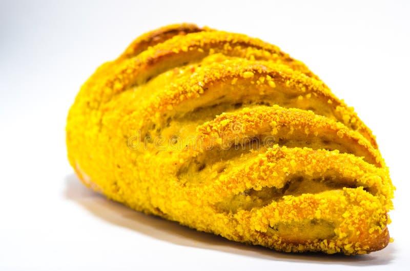 Pão francês com milho no fundo branco imagem de stock royalty free