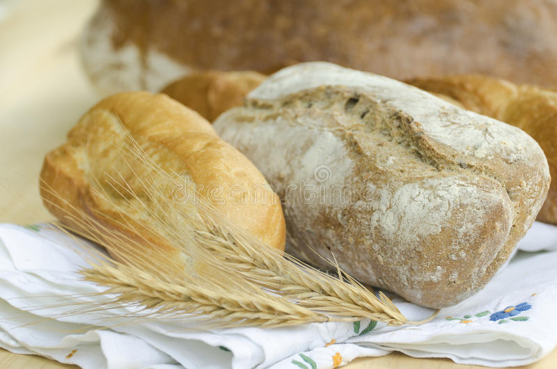 Download Pão fresco foto de stock. Imagem de dieta, rolos, inteiro - 26500648