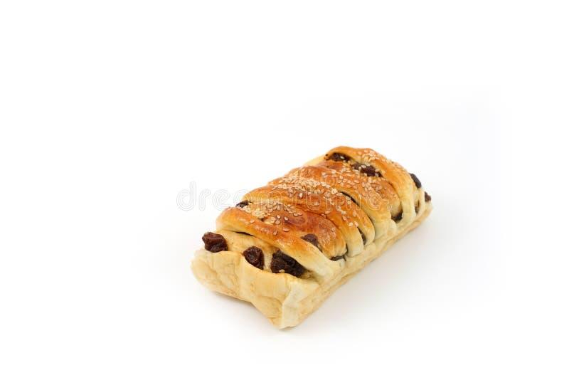 Pão macio doce da passa com seleção branca do foco do sésamo fotografia de stock