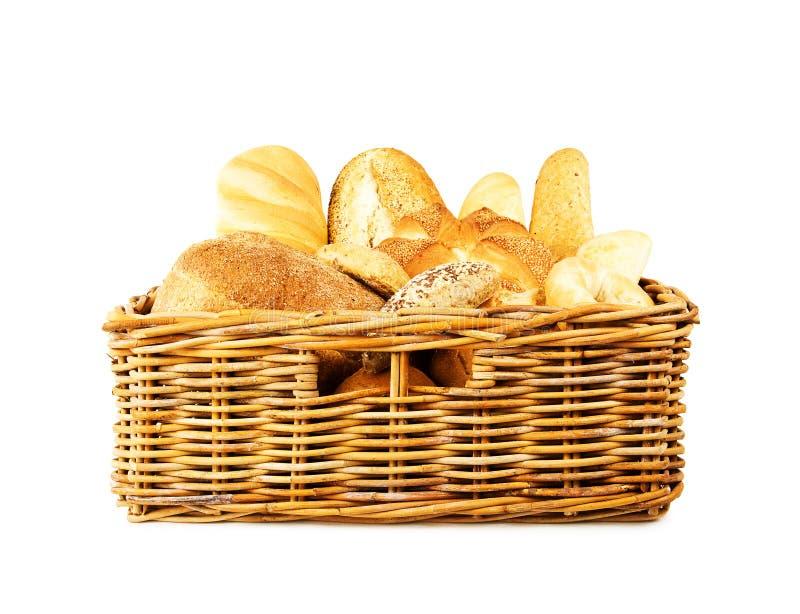 Pão na cesta imagens de stock