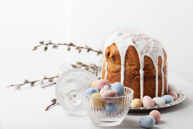 Pão ortodoxo da Páscoa do russo tradicional - kulich fotos de stock royalty free