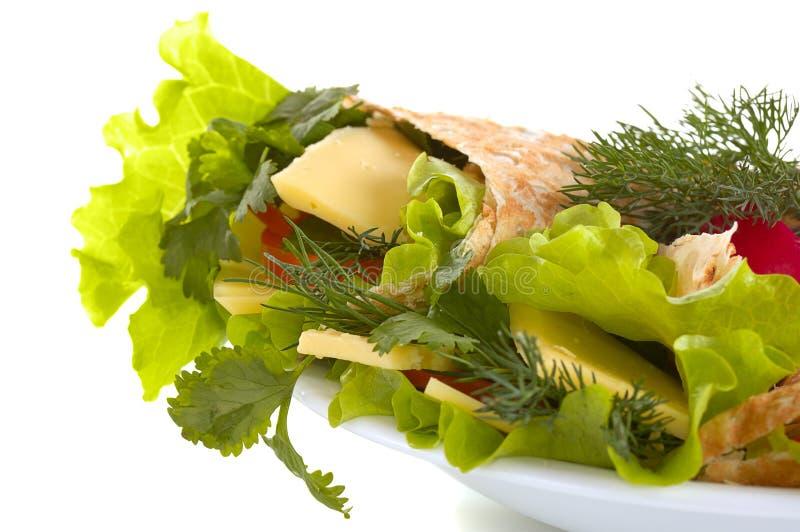 Pão Unleavened com vegetais imagem de stock