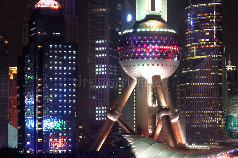 pärlemorfärg shanghai för porslin torn arkivfoto