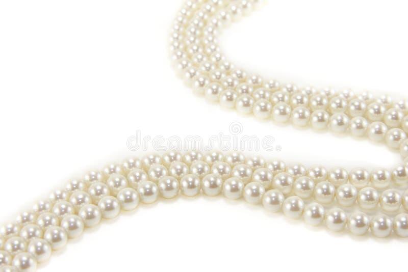 pärlemorfärg white för halsband arkivfoton