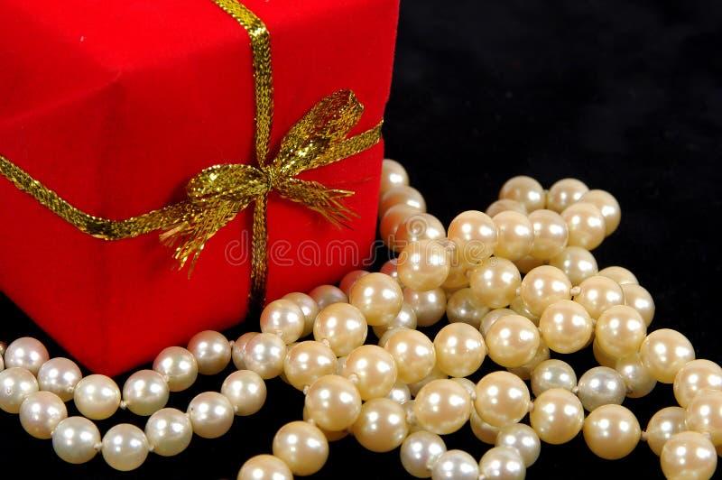 Download Pärlor fotografering för bildbyråer. Bild av valentiner - 42327