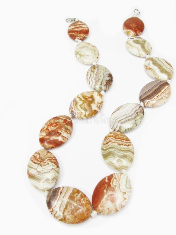 pärlor färgad hög royaltyfria foton