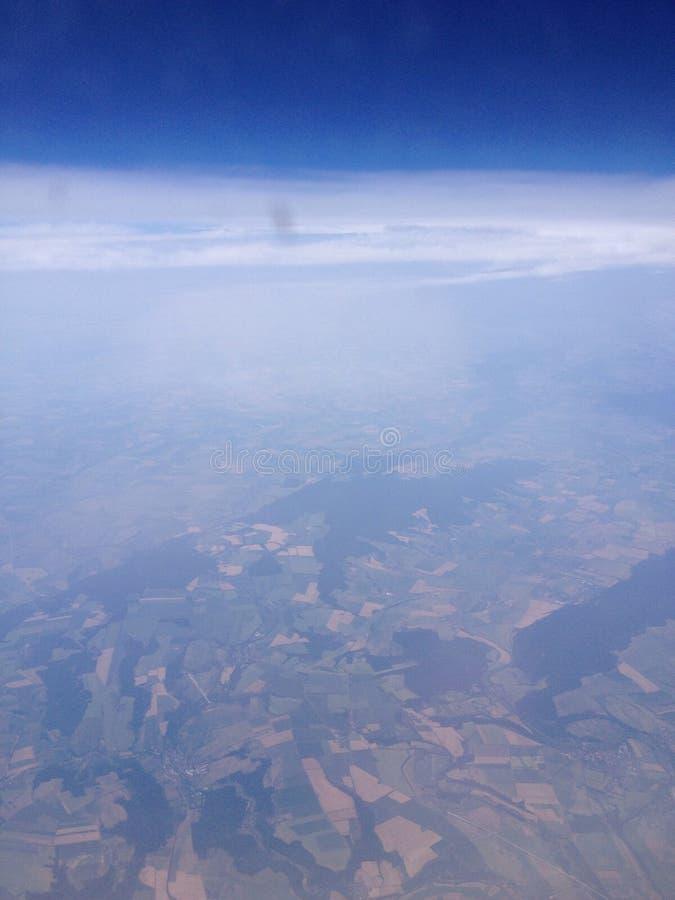 På ett flygplan arkivfoto