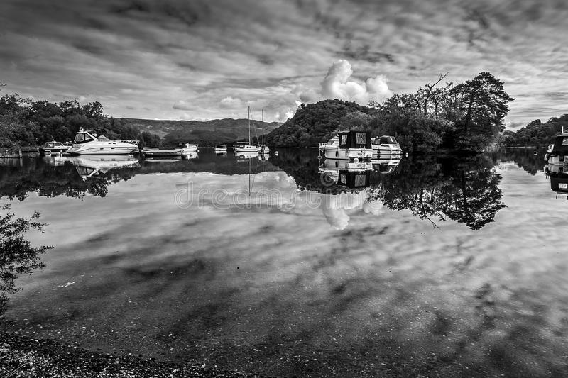 På fjorden royaltyfri foto