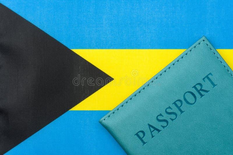 På flaggan av Bahamas är ett pass arkivbild