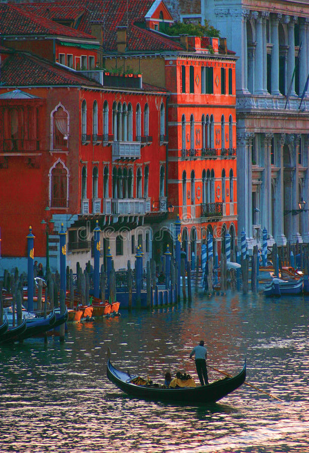 På Grand Canal i Venedig arkivbilder