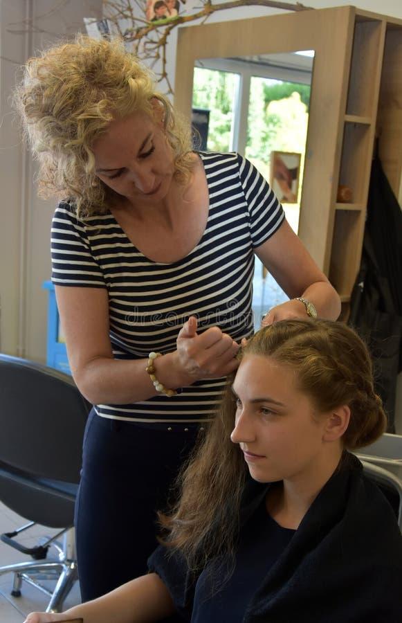 På hairdersseren royaltyfria bilder