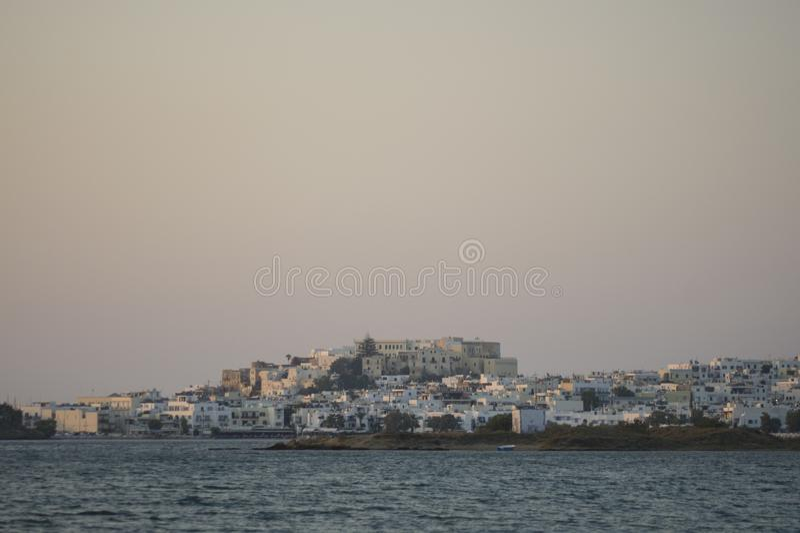 By på kust i Naxos, Grekland royaltyfria bilder