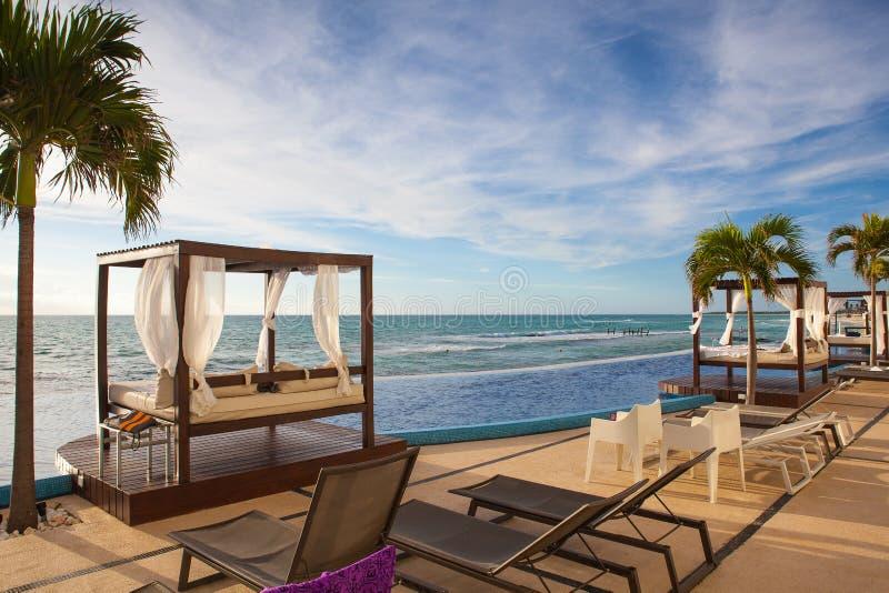 På leken Paraiso på det karibiska havet av Mexico royaltyfri foto