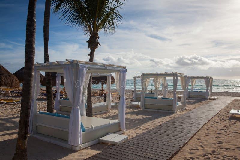 På leken Paraiso på det karibiska havet av Mexico royaltyfri bild