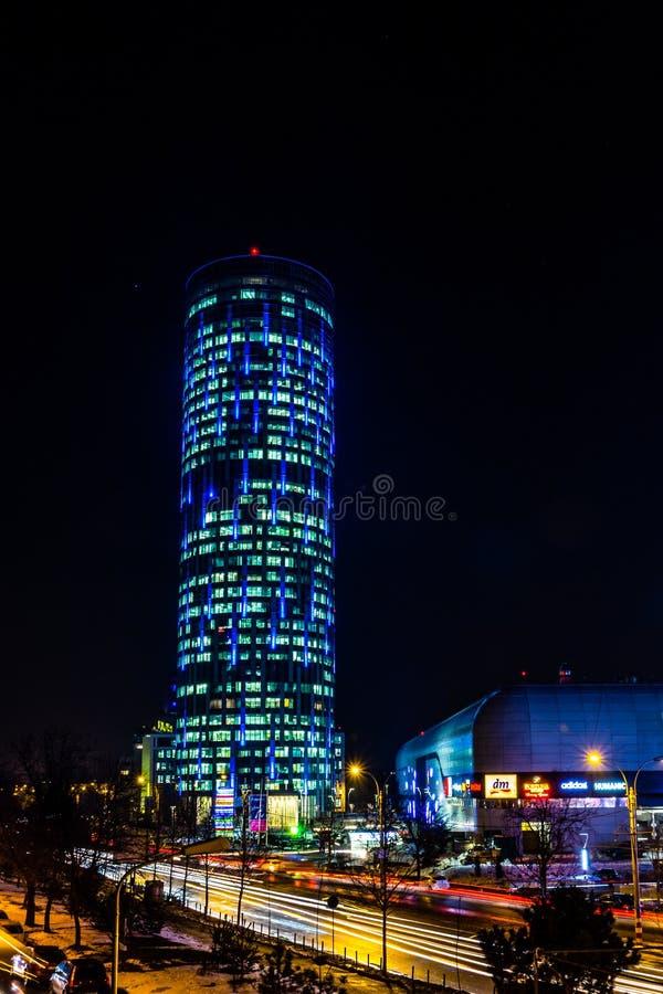 På nätterna i Bucharest royaltyfria bilder