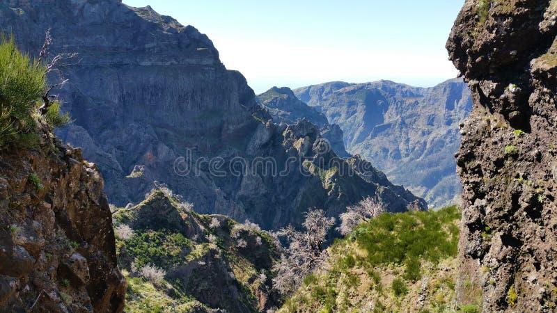 På nedgången Samaria Gorge, Kreta, Grekland royaltyfria foton