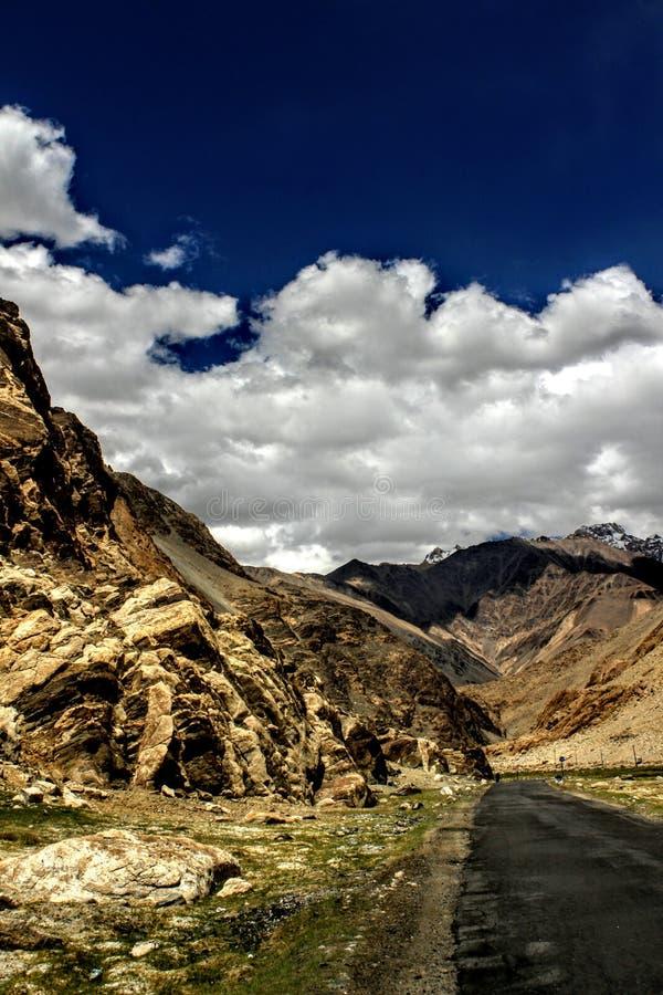 På rutten till Ladakh royaltyfria bilder