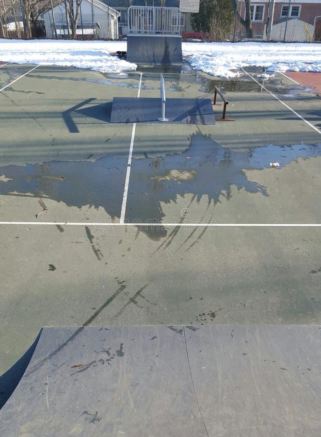 På skateboarden parkera royaltyfri foto