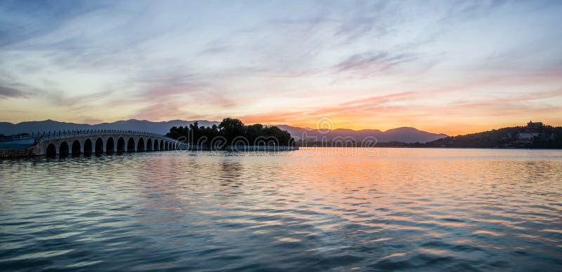 På solnedgången sommarslotten, beijing arkivfoton